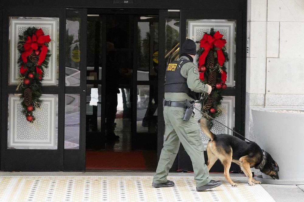 Downtown Nashville Christmas Day explosion knocks communications offline
