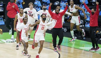 Transfers boost Sampson's Cougars, others into NCAA Sweet 16