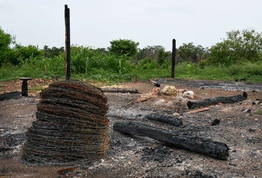 Una casa quemada de Laguna Larga
