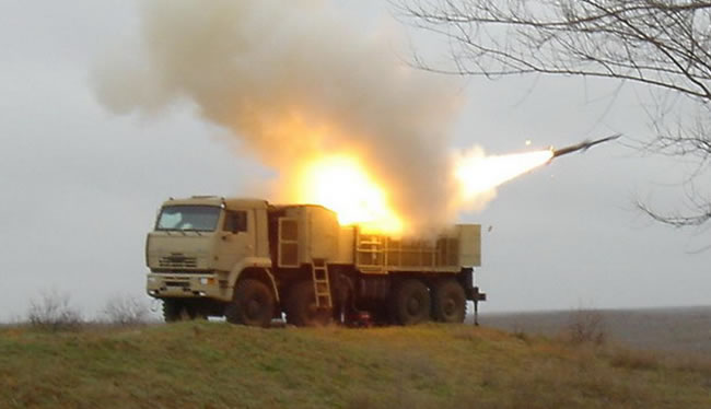 Pantsir S1 firing the 57E6 air-defense missile