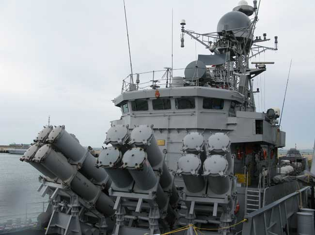 Kora Class corvettes such as the INS Kirch shown here during her visit to Singapore this week, carry 16 Kh-35 Uran-E anti-ship missiles carried in fixed positions in the forward section. These missiles are the Russian equivalents of the US made Harpoon and are designed to attack vessels up to 5000 tonnes. Photo: Tamir Eshel, Defense Update