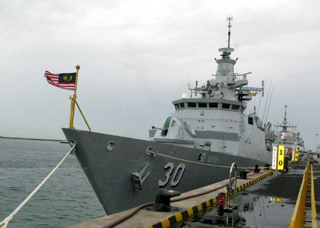 The Malaysian frigate KD Lekiu frigate (F30). The design is based on the F2000 light frigate originally designed by Yarrow Shipbuilders of Glasgow (now BAE Systems Surface Ships) in the early 2000s. Two frigates of this class are in service with the Malaysian Navy. Photo: Tamir Eshel, Defense-Update