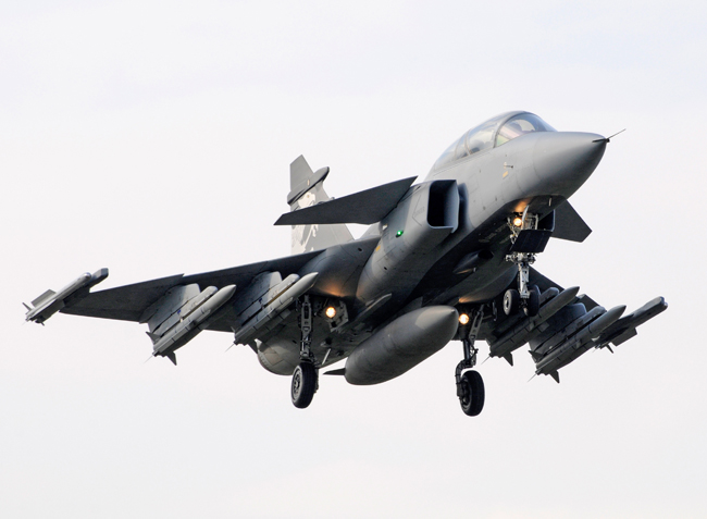 This Gripen NG demonstrator landing at Switzerland for the 2012 demonstration came in an air-dominance configuration, comprising  four dummy missiles of the Meteor AAM and two IRIS-T heat-seeking AAMs at the wingtips. Photo: SAAB