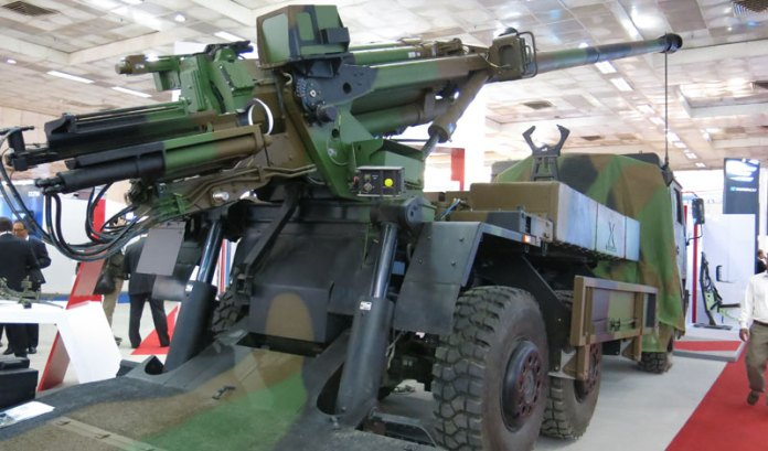 The CAESAR carries a 155mm/39Cal or 52Cal firing standard NATO 155mm ammunition at ranges of 4.5 to 42km. The gun is equipped with automatic laying and relaying between each round firing, thus maintaining high efficiency in continued fire of up to six rounds per minute. The truck carries 24 rounds on board, using insensitive munitions for improved survivability. Photo: Tamir Eshel, Defene-Update.