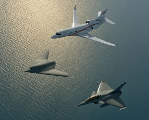 On March 20, 2014, Dassault Aviation organized a formation flight of the nEUROn unmanned combat air vehicle (UCAV) with a Rafale fighter and a Falcon 7X business jet. This was the first time in the world that a combat drone flew in formation with other aircraft. The entire operation lasted 1 hour and 50 minutes and took the patrol out over the Mediterranean to a range of several hundred kilometers. Photo: Dassault Aviation by Katsuhiko Tokunaga