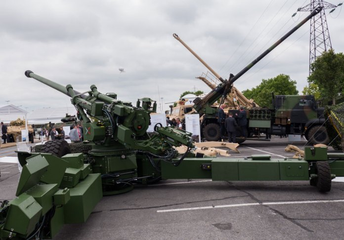 The team headed by L&S is also proposing the French Trajan 155mm/52 CAL gun to the Indian Army. Photo: Noam Eshel, Defense-Update