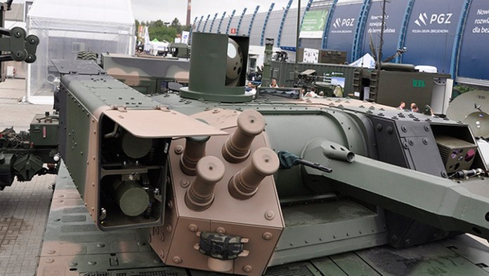The ZSSW-30 turret mounts the ATK Mk44 30mm chain gun, 7.62 mm coaxial machinegun and two Spike LR missiles.