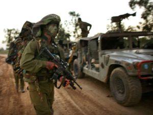 تم نشر القوات الخاصة في الجيش الإسرائيلي في 28 ديسمبر 2008 على طول حدود إسرائيل مع غزة.   (صورة: أوريئيل سيناي/جيتي إيمدجز)