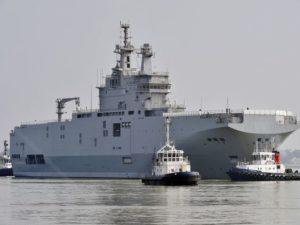 شوهدت السفينة الحربية من فئة Sevastopol Mistral في سان نازير، فرنسا، في 16 مارس 2015. (صورة: جورج جوبيهAFPغيتي إيمدجز)