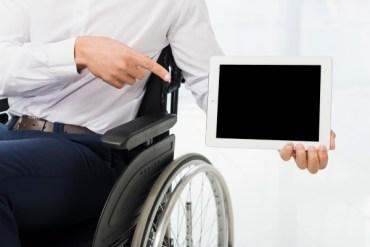 Cadeirante com tablet