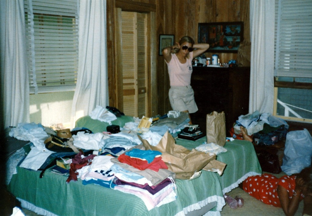 Argh! What to pack for vacation. By Barbara Ann Spengler [CC BY 2.0 (http://creativecommons.org/licenses/by/2.0)], via Wikimedia Commons