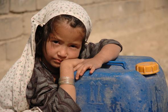 L'eau menacée par la pollution et la raréfaction.