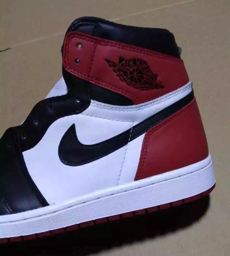 Air Jordan 1 Retro High OG Black Toe 2