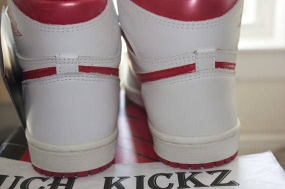 Air Jordan 1 Retro High OG Red Metallic 2