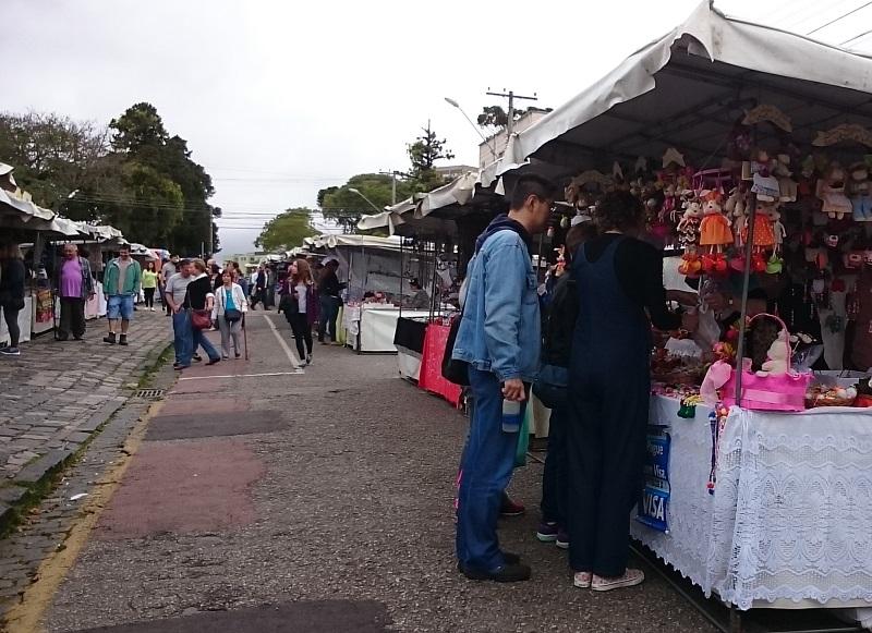 feira de artesanato do Largo da Ordem em Curitiba - Paraná