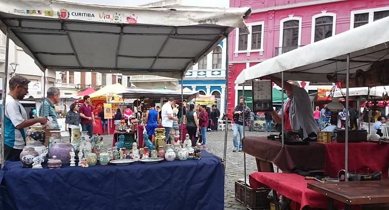feira de artesanato do Largo da Ordem em Curitiba - Paraná - antiguidades