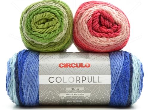 xale de crochê colorida