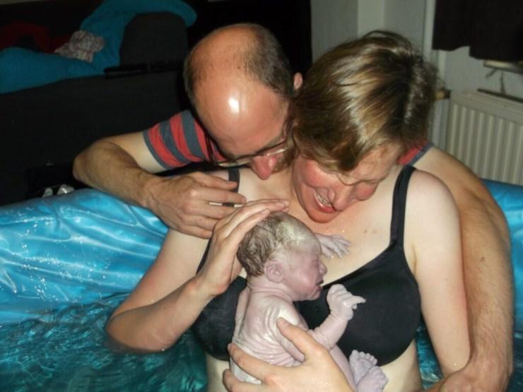 Mette met Boris badbevalling dankzij HypnoBirthing