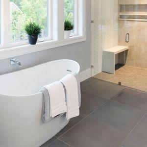 Modern Luxury Tub
