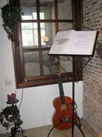 Gedenkhoek in aanloophuis De Groene Luiken