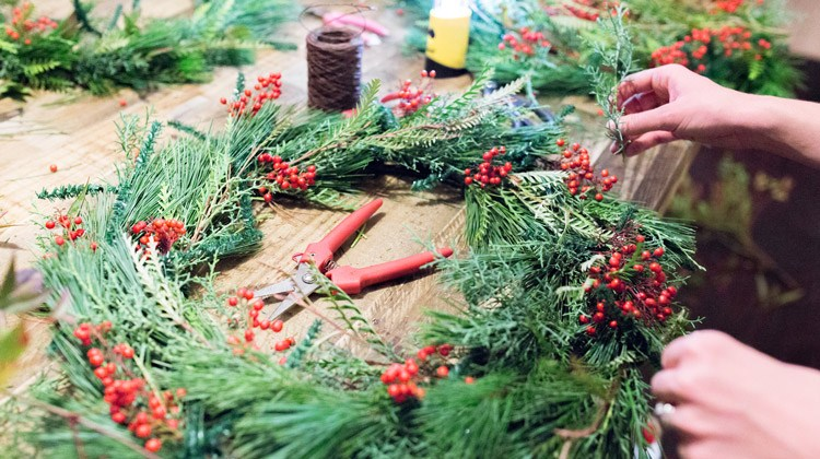 Fleurish Hosts Holiday Wreath Making Workshop