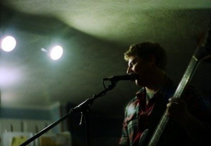Dan singing @ the house sitting sessions.