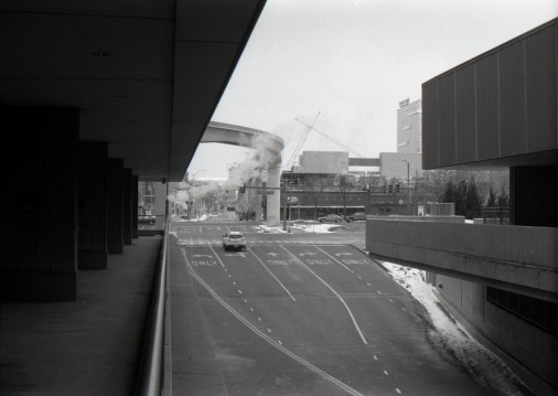 Another glimpse of Detroit. My sister used to walk through this spot everyday for over two years, I took this photo for her but somehow she doesn't remember quite well and seemed none too interested. But I am.