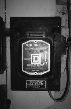 Love them old Square D breaker boxes.