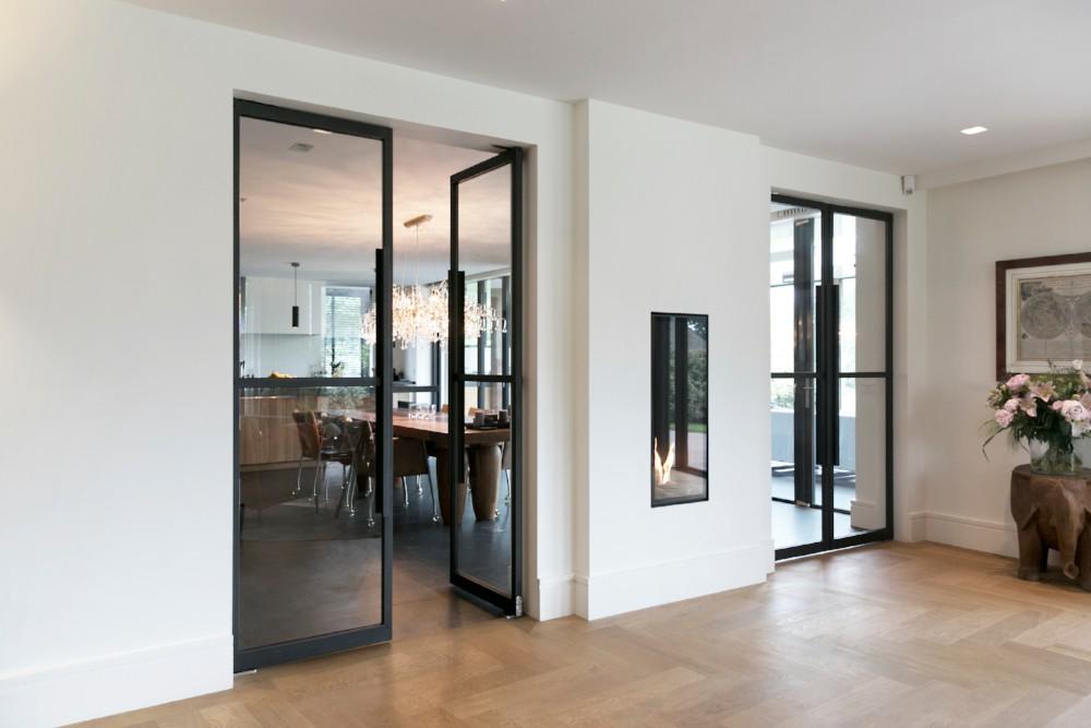 Houten vloeren, tafels op maat, maatwerk en stalen deuren