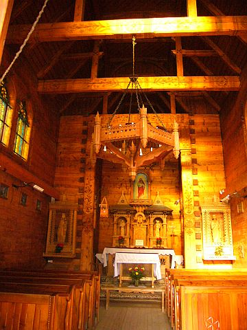 igreja-dentro.jpg