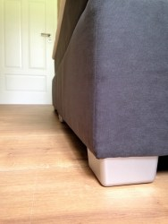 Die Füße sind super wichtig, damit das Bett von allen Seiten ausreichend belüftet wird.