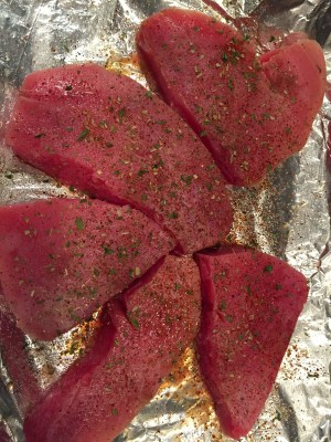 Deidra Penrose, healthy dinner ideas, healthy lunch ideas, spicy tuna steak recipe, seafood recipes, lean meat recipes, weight loss recipes, clean eating recipes, healthy eating, Spicy food recipes, dieting, healthy mom recipes, healthy family recipes, 21 day fix extreme recipes