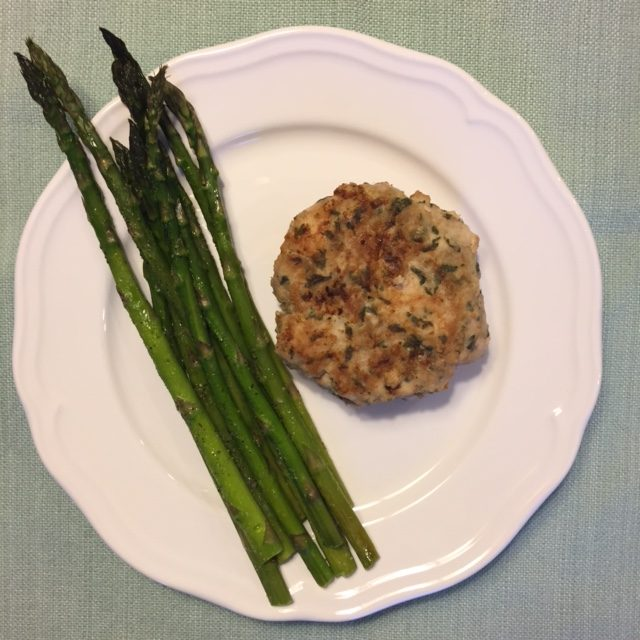 Deidra Penrose Mangus, healthy dinner recipes, sweet chili sauce healthy, thai chili patties, healthy thai turkey patties. bragg liquid aminos, healthy family diner recipes, military family and fitness, military wife, healthy new mom, nutrition tips, weight loss journey tips, successful beachbody coach PA