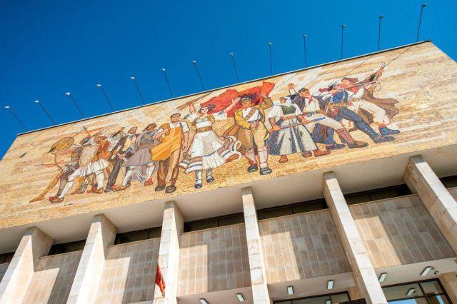 Причины посетить Тирану - национальный музей