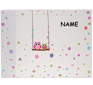 """Schreibtischunterlage / Unterlage - """" Eulen auf Schaukel & Blumen """" - incl. Name - 50 cm * 39 cm - Tischunterlage / Knetunterlage / Bastelunterlage - abwaschbar - abwischbar - für Mädchen - Kinder & Erwachsene - Schreibunterlage / lustige Eule - Blüten - Malunterlage - Kinderschreibtisch -"""