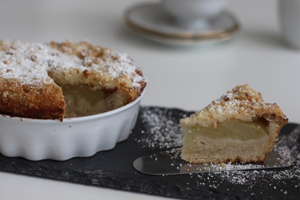 Veganer Birnenkuchen Kuchenstück