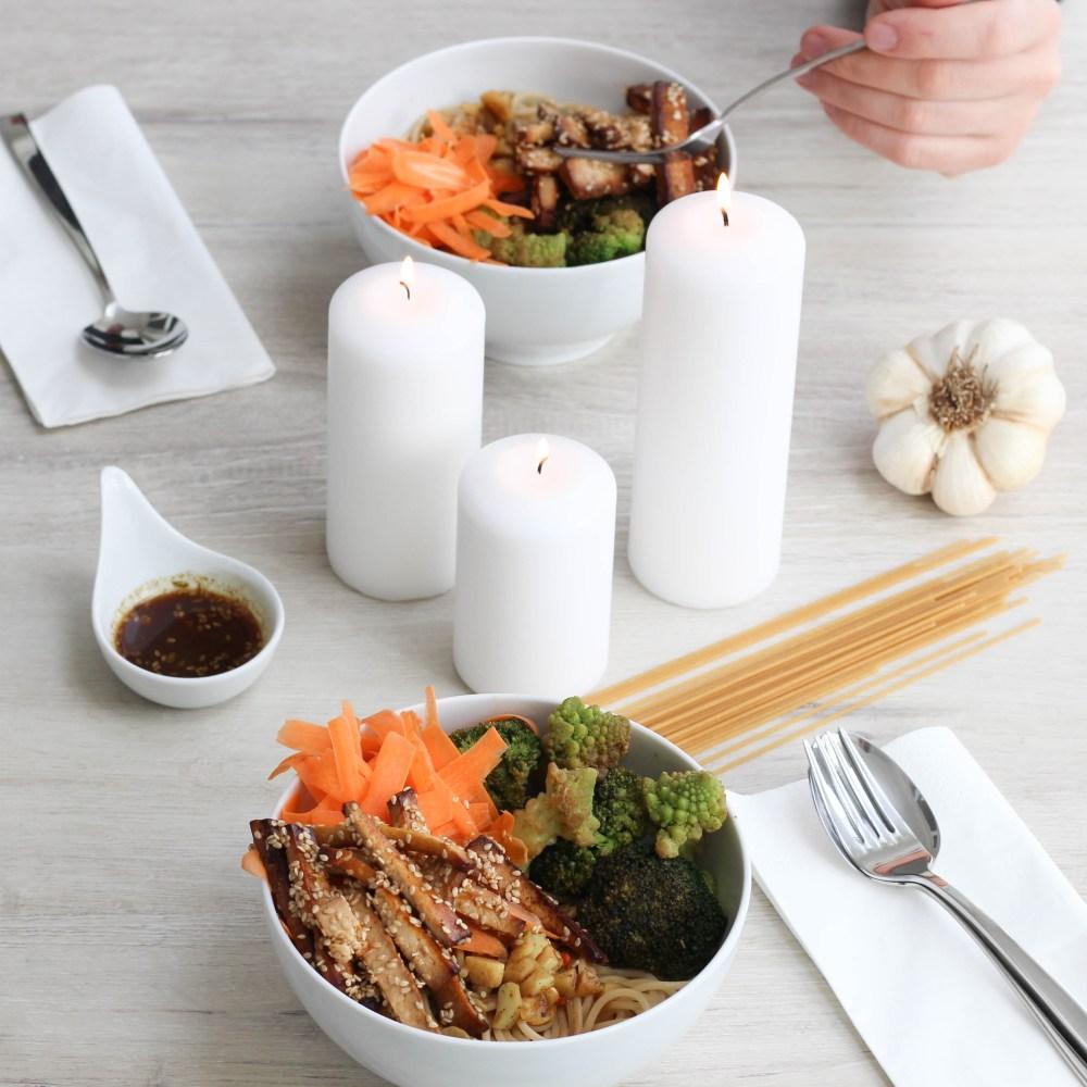 bowl-vegan-tofu-spices-shabby-knoblauch-kochen-1-von-1
