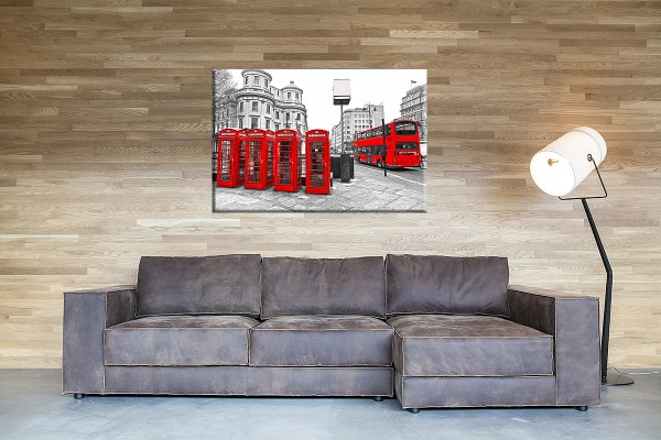 DB_1547_Rote_Telefonzellen_und_roter_Bus_in_London_Couch 1