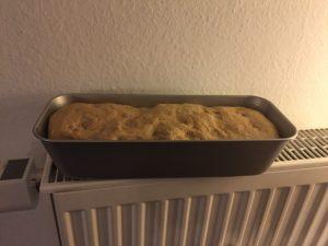 Toastbrot zum gehen auf der Heizung