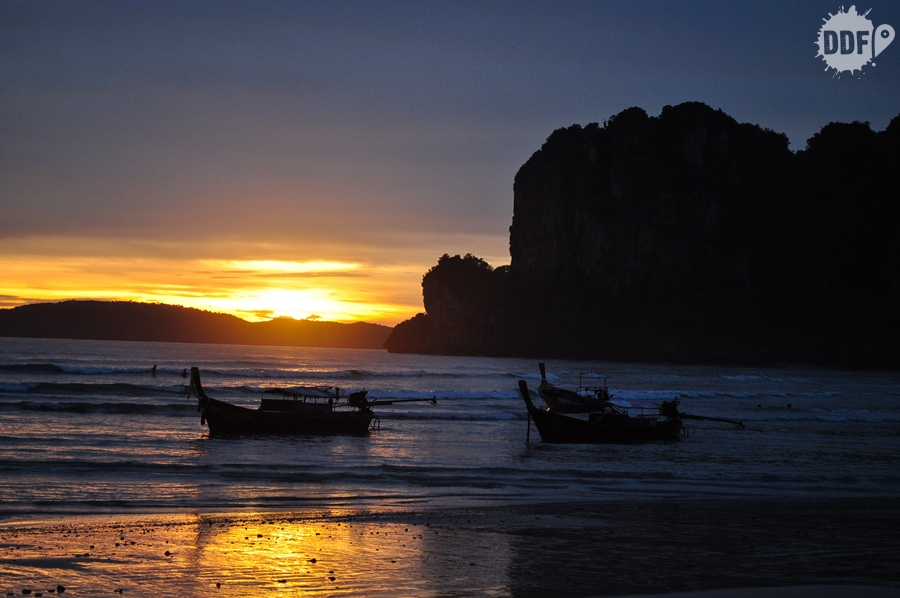 sunset-railay-beach-thailand