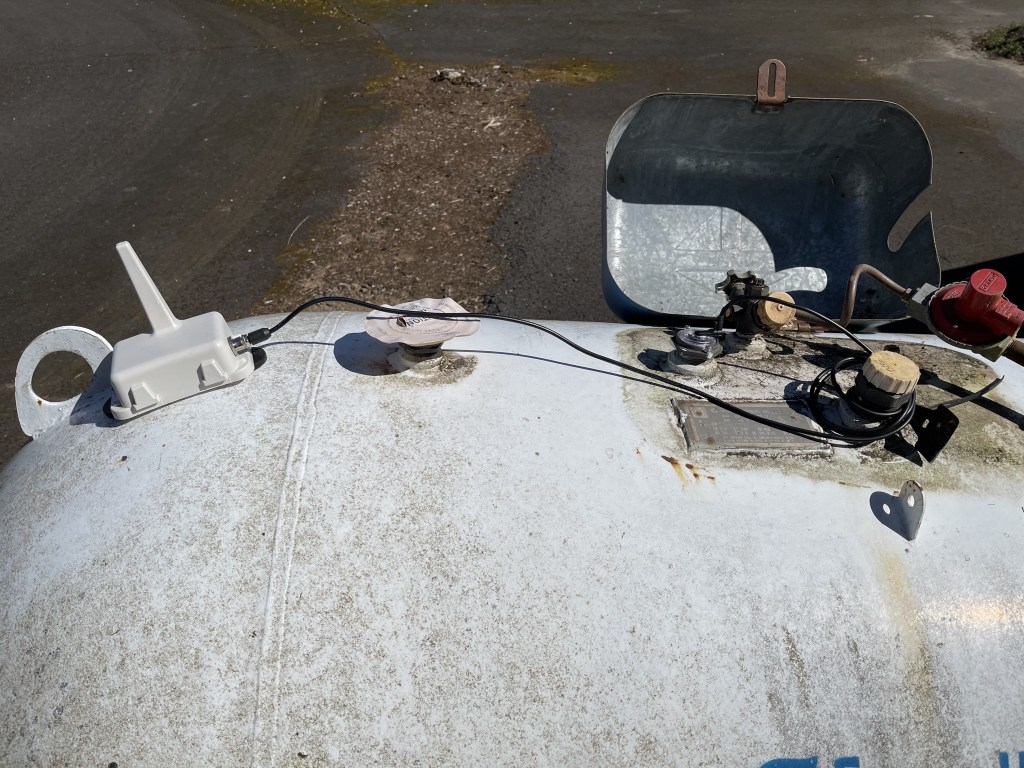 Propane tank level monitor