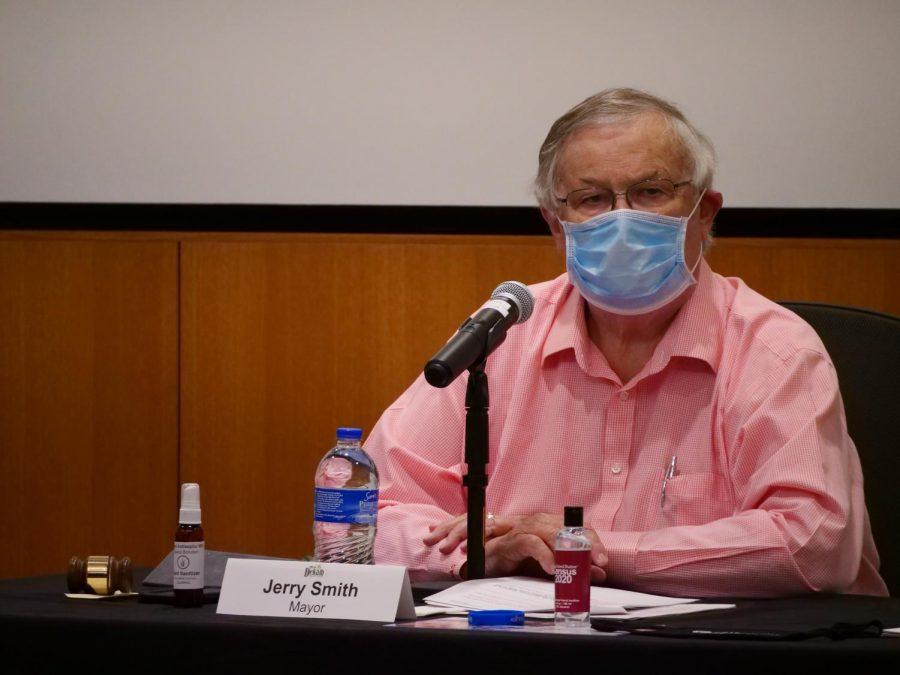 Smith Recounts COVID-19 Vaccine Experience