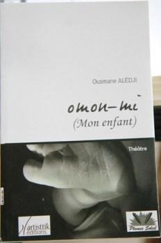 Ousmane Alédji  publie Omon-mi