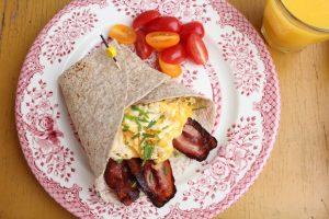 ontbijtwrap-met-ei-en-spek3