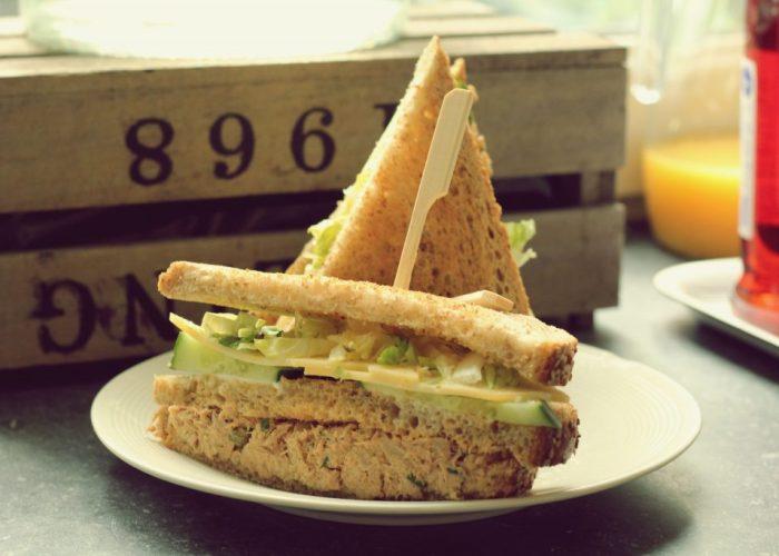 clubsandwich met tonijnsalade