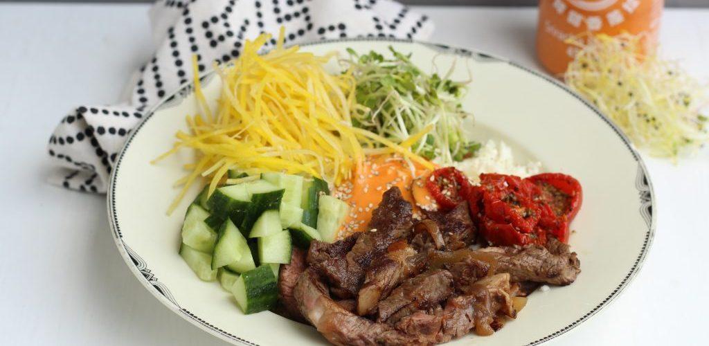 low carb pokebowl met vlees