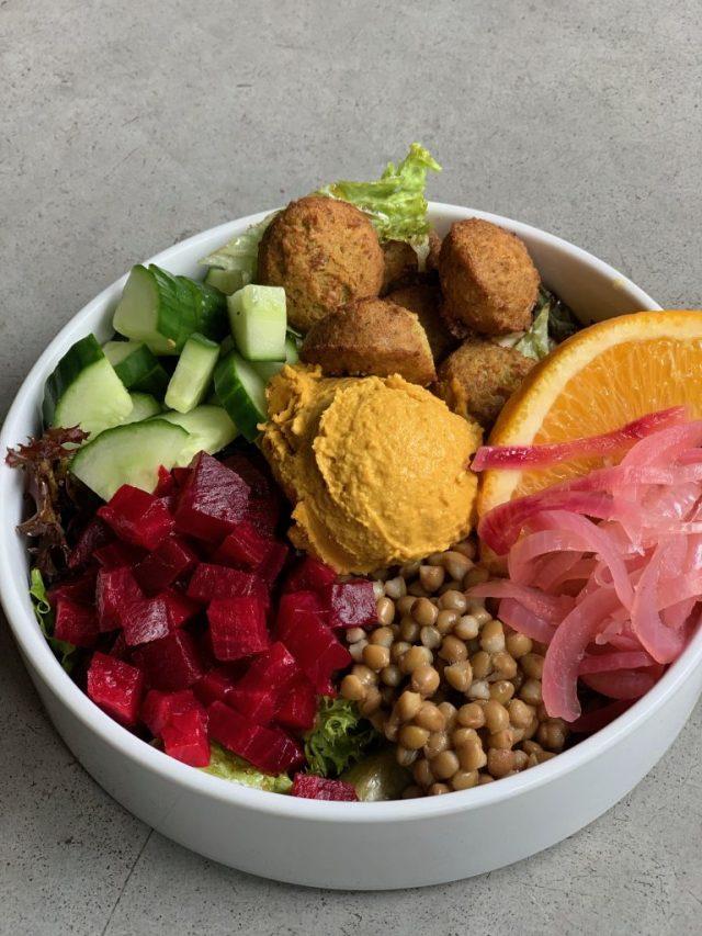 buddha bowl met falafel