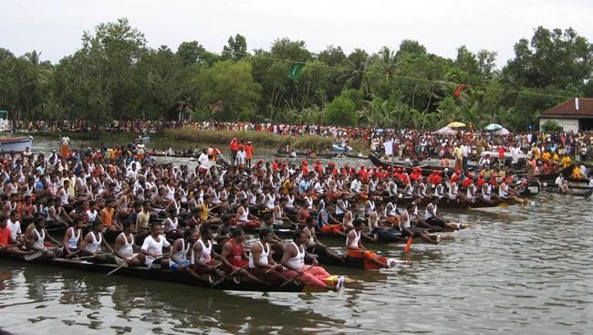 Kerala-boat-races-Payippad-Jalotsavam