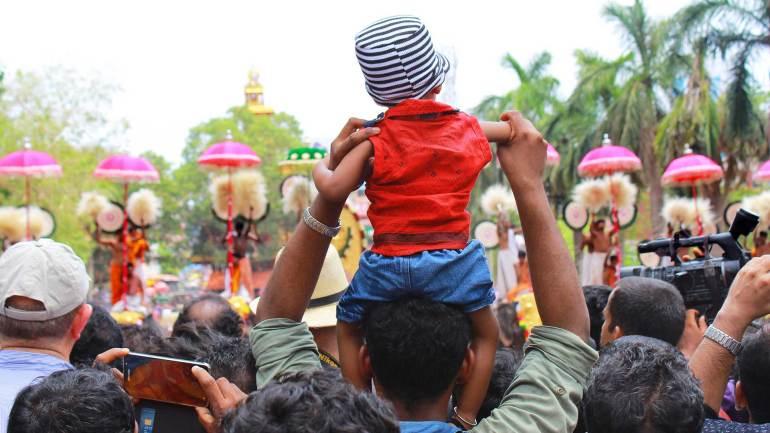 Child Watching-Thrissur Pooram