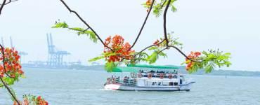 Boating in Arabian Sea - Marine Drive - Ernakulam - Boating in Kochi Backwaters